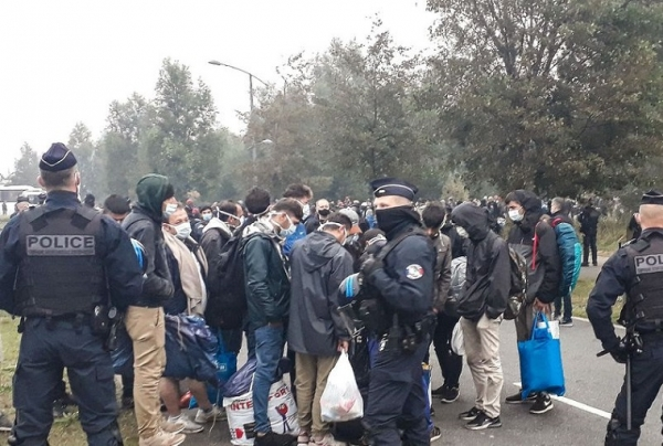 France/ Calais: Démantèlement d'un campement de migrants